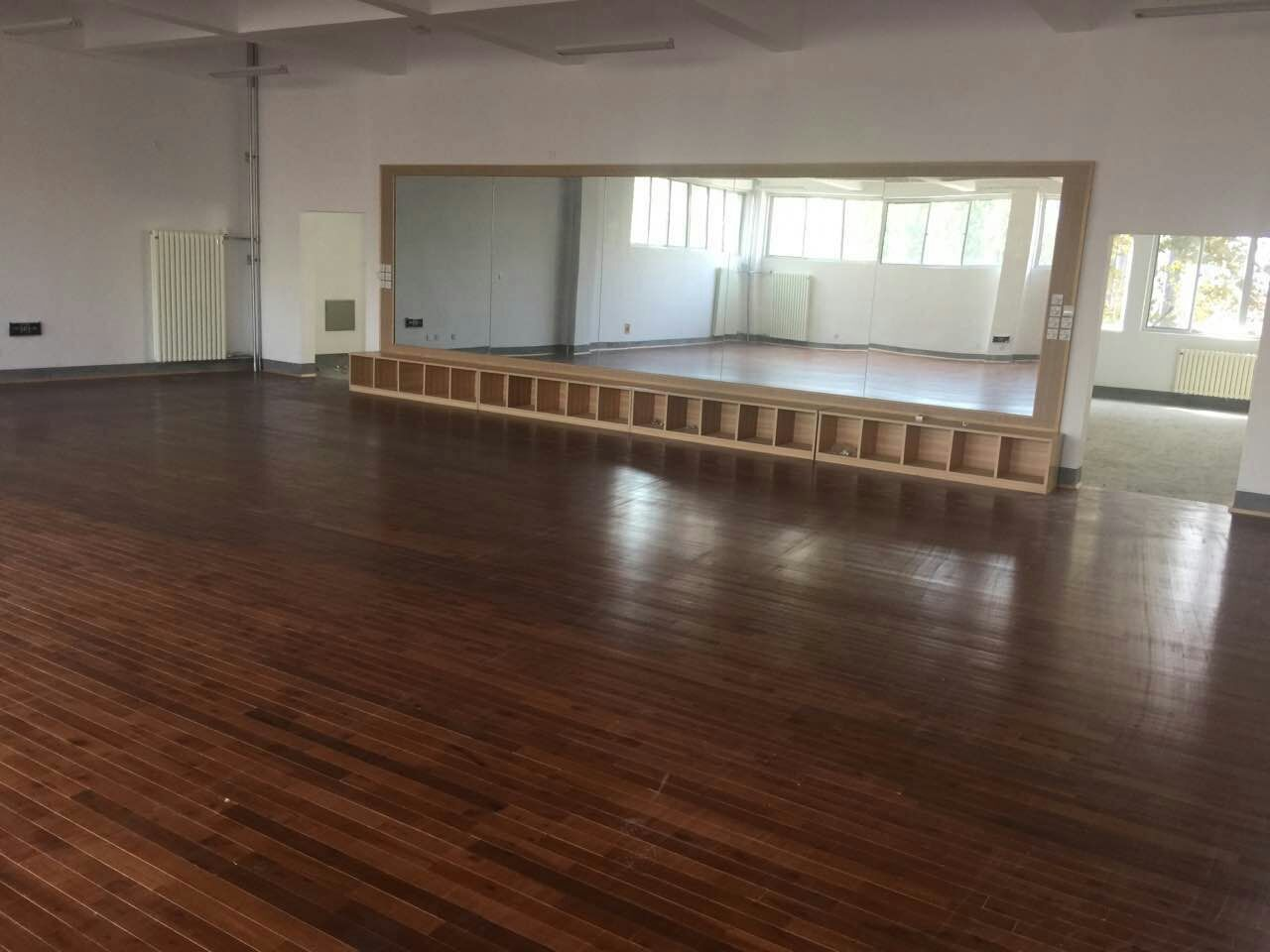 舞蹈房木地板--山东文化艺术学院成功案例
