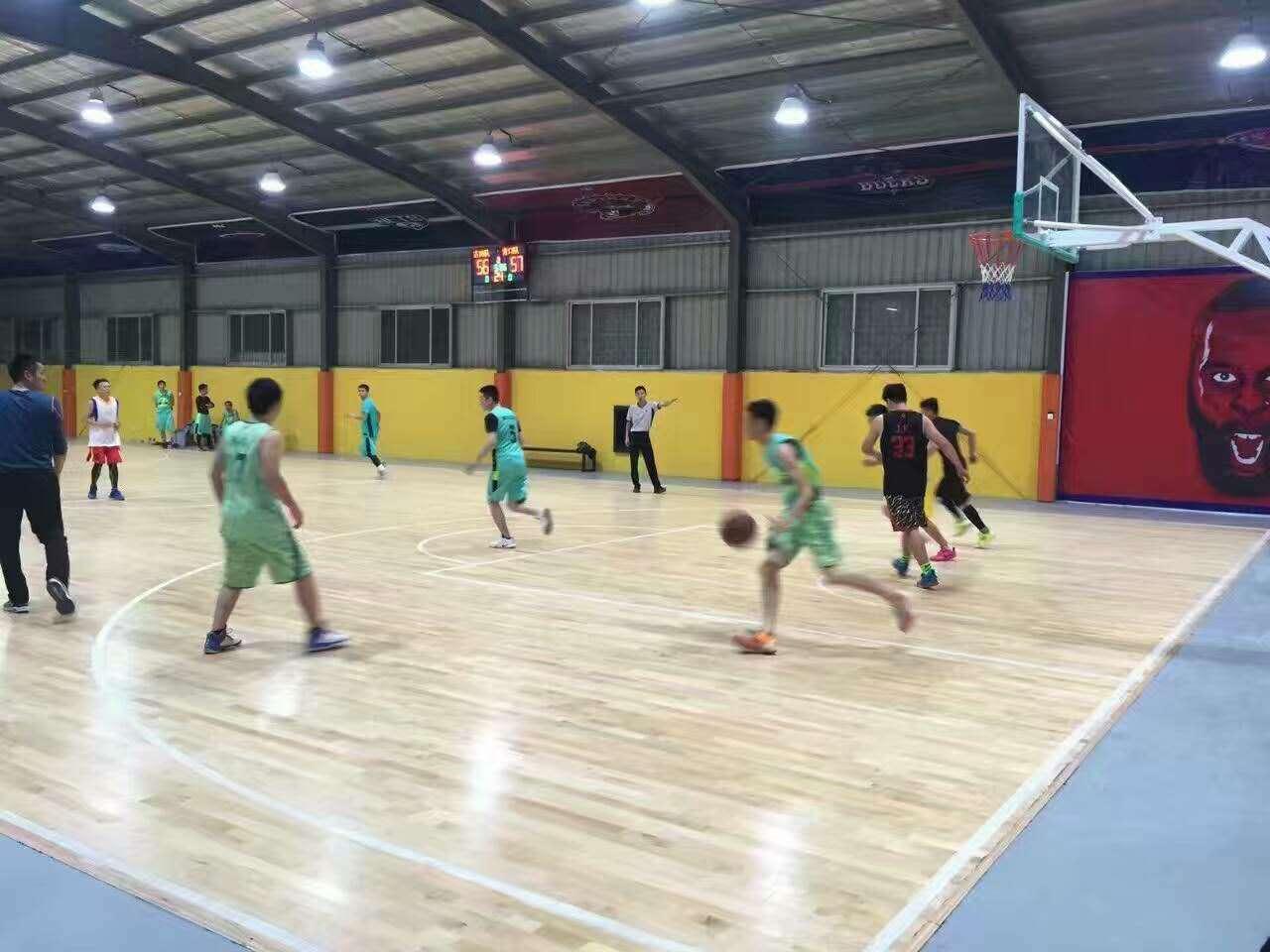 运动木地板--福州义序物流园旁荣耀篮球馆成功案例