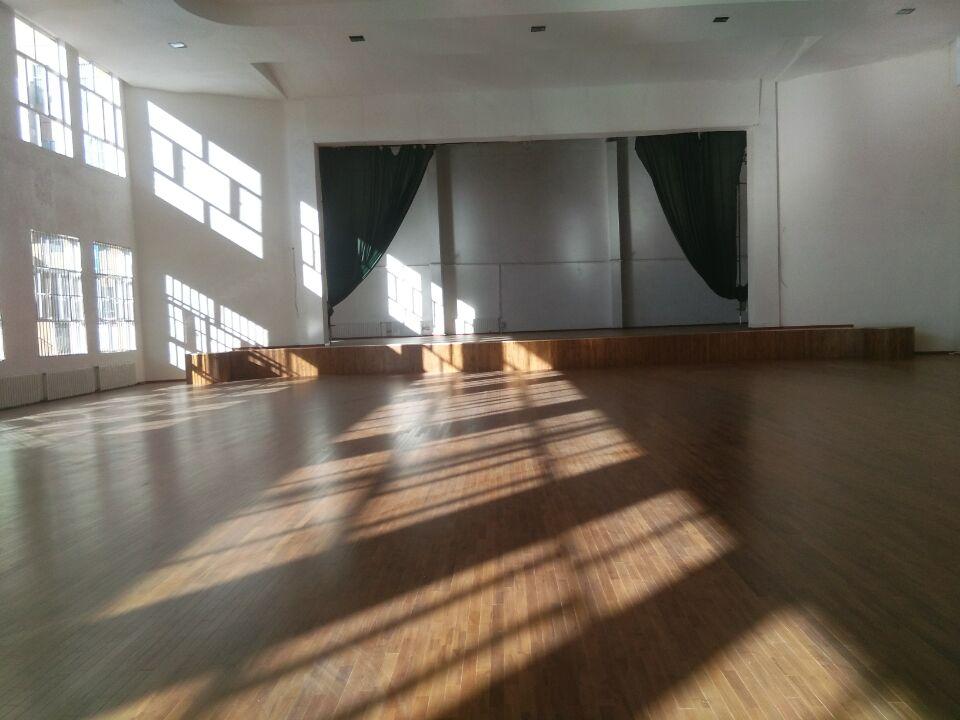 运动木地板--内蒙古鄂尔多斯伊金霍洛监狱成功案例